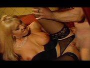 Geile Blondine mit dicke Titten free porn
