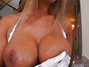 Gangbang Porno Blondine mit dicke Titten