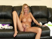 Hot MILF Brooke Tyler masturbating