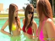 Trio de nenas teniendo sexo
