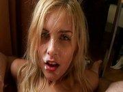 Spermageile Blondine. Sexhungrige blonde Schlampe will ficken